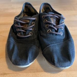 TOMS Lace-up shoes